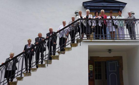 Hier Können Sie Gruppenfotos Zum Konfirmationsjubiläum